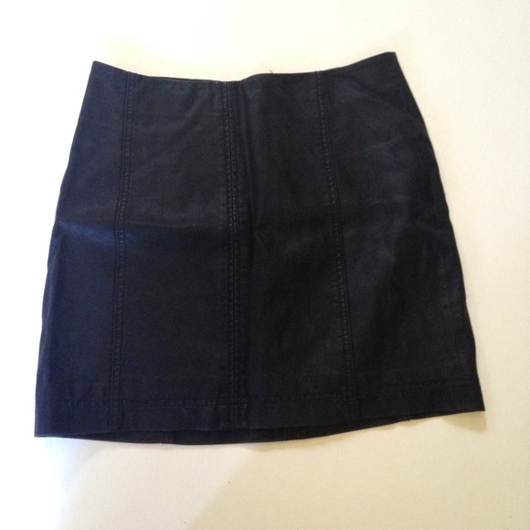 Free People Dresses & Skirts - FREE PEOPLE Black Leather Mini Skirt Excellent Con